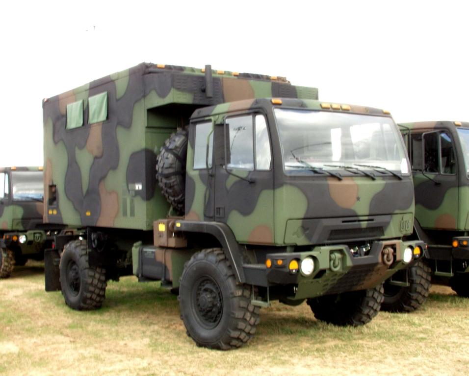2004shelter_Army_Cargo_Truck